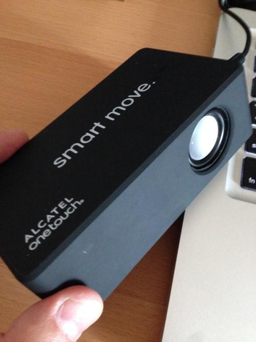 iPhoneを置くだけで音がなるスピーカー